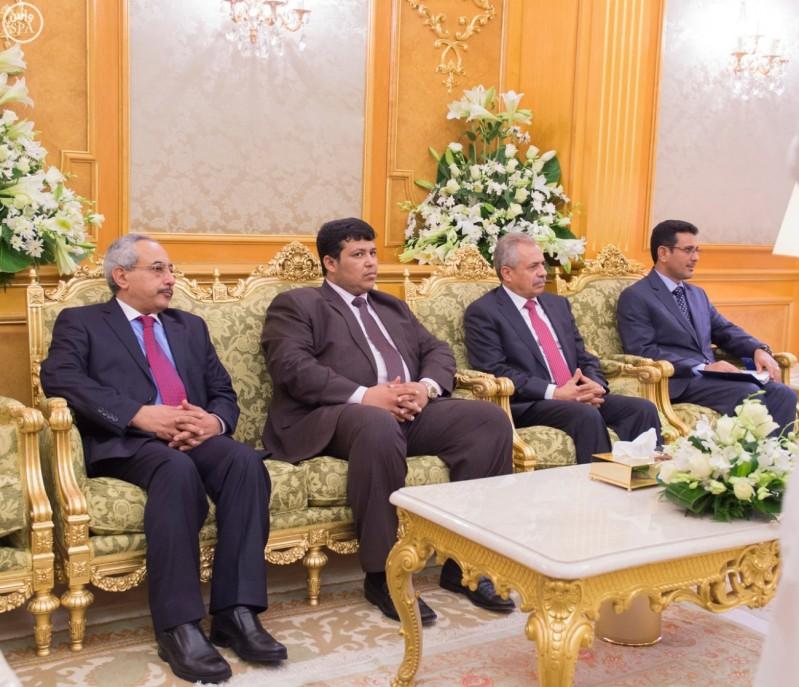 خادم الحرمين يستقبل الرئيس اليمني.jpg 4