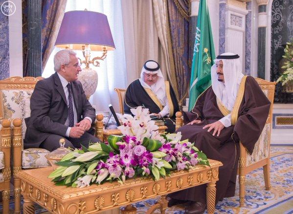 خادم الحرمين يستقبل سفير إيطاليا لدى المملكة