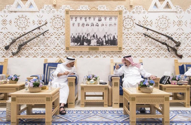 خادم الحرمين يستقبل ولي عهد أبو ظبي (107416736) 