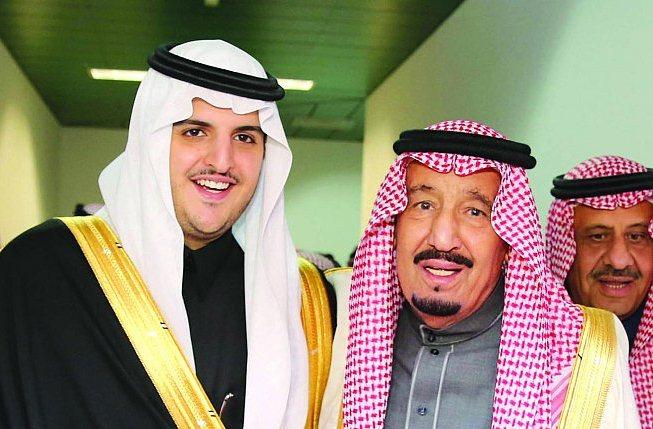 خادم الحرمين يشرّف حفل زواج فواز بن سلطان (2)