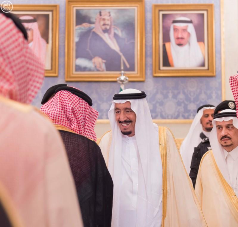خادم الحرمين يصل الرياض (2)
