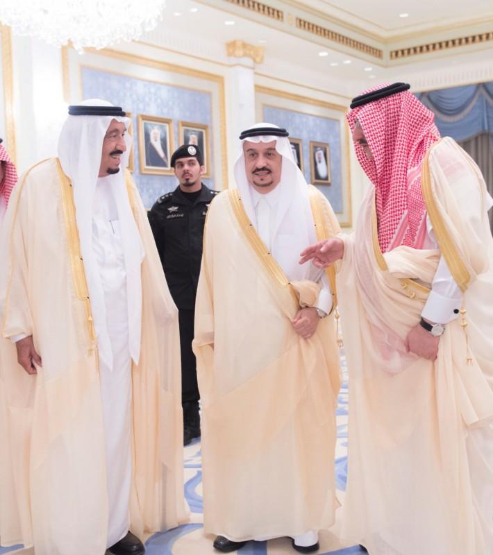 خادم الحرمين يصل الرياض (6)