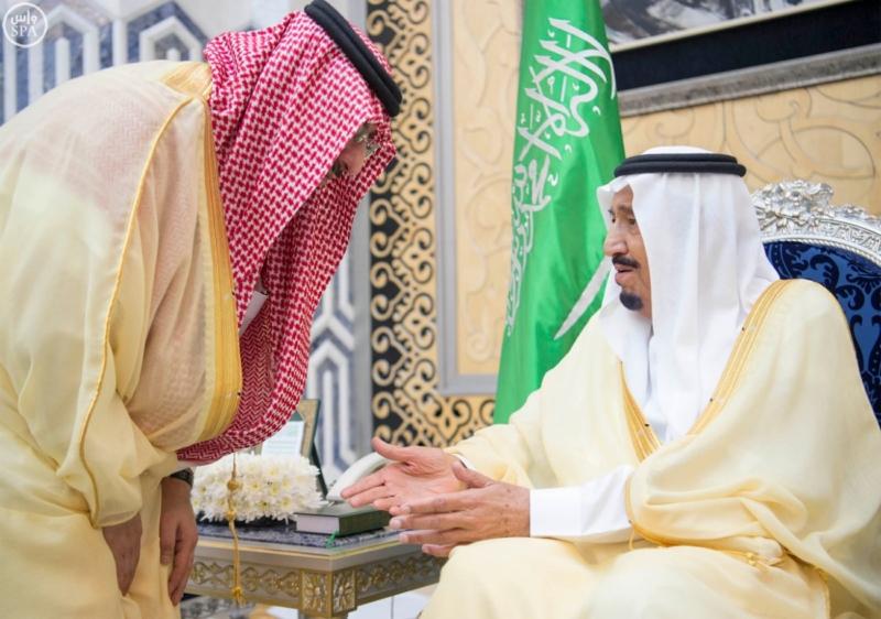 خادم الحرمين يصل الى جدة  (34669063) 
