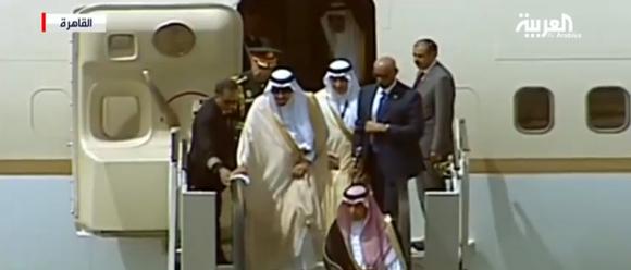 خادم الحرمين يصل الى مصر