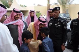 بالفيديو والصور.. خادم الحرمين يعزي ذوي الفقيد آل الشيخ - المواطن