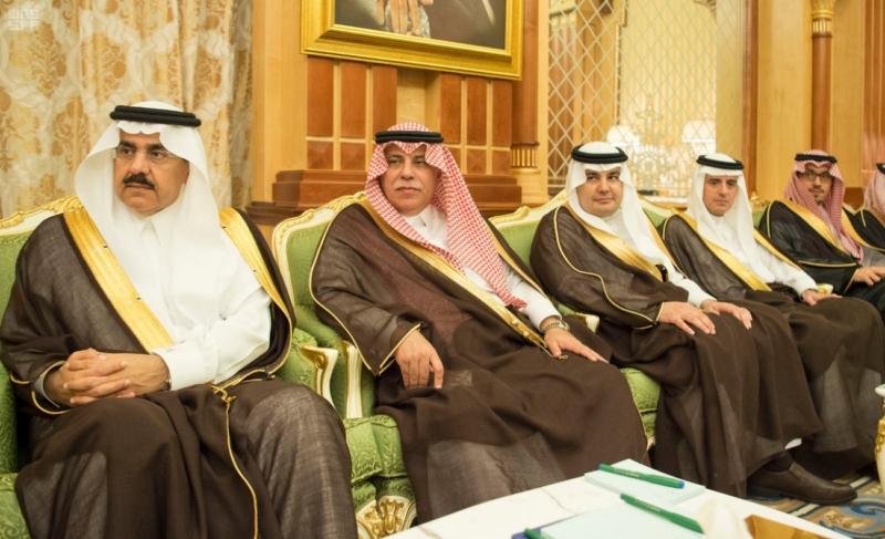 خادم الحرمين يعقد جلسة مباحثات مع رئيس جمهورية المالديف.jpg 2