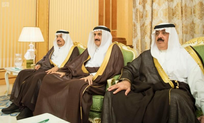 خادم الحرمين يعقد جلسة مباحثات مع رئيس جمهورية المالديف.jpg1