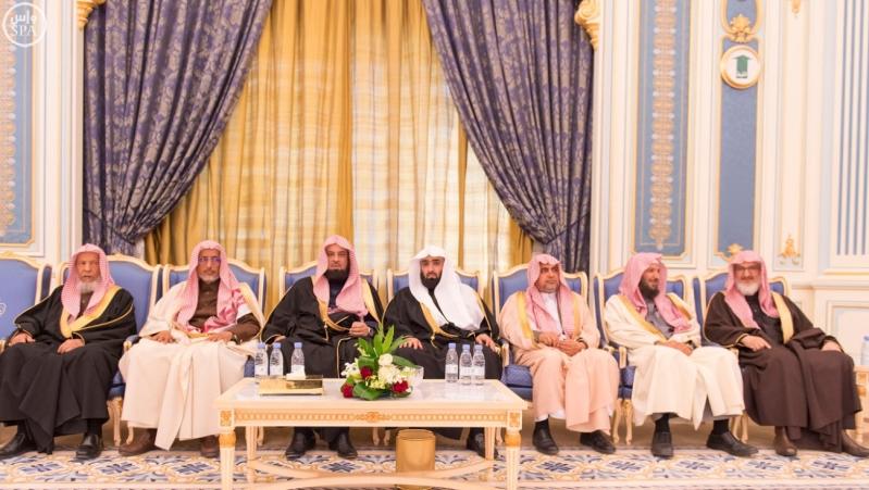 خاد م الحرمين يستقبل أصحاب السمو الأمراء ومفتي عام المملكة16