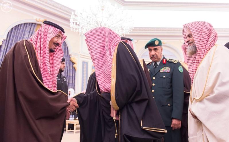 خاد م الحرمين يستقبل أصحاب السمو الأمراء ومفتي عام المملكة3