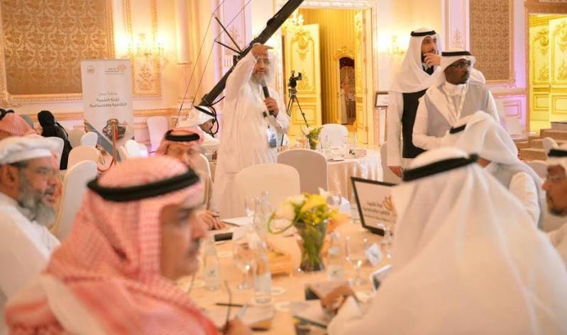 خالد الفيصل في ورشة للتنمية