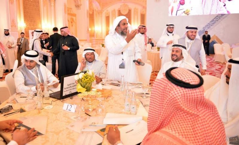 خالد الفيصل في ورشة للتنمية3