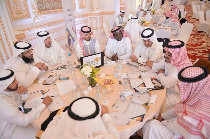 خالد الفيصل في ورشة للتنمية4