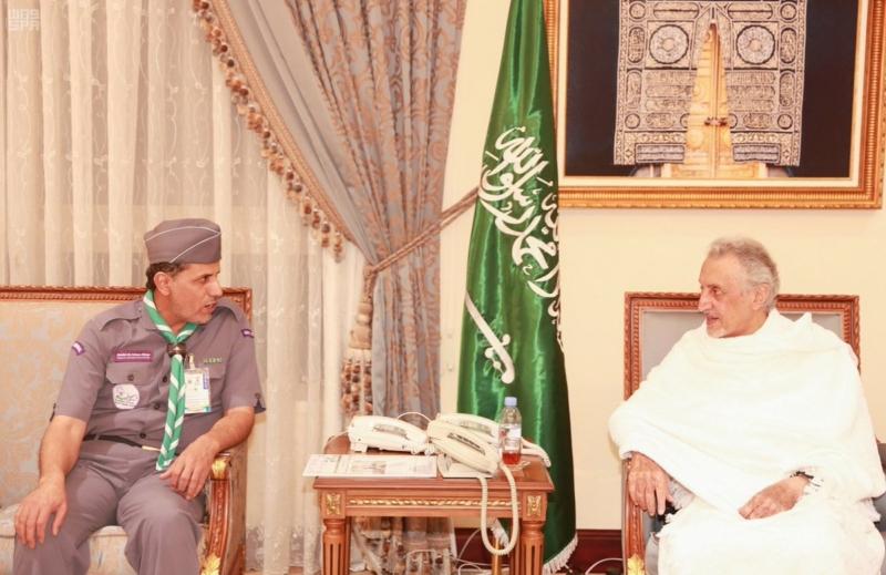 خالد الفيصل يستقبل الكشافة