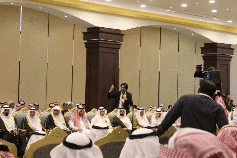 خالد الفيصل يسدقبل ضيف سوق عكاظ (3)