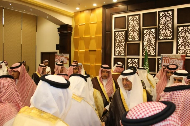 خالد الفيصل يسدقبل ضيف سوق عكاظ (4)