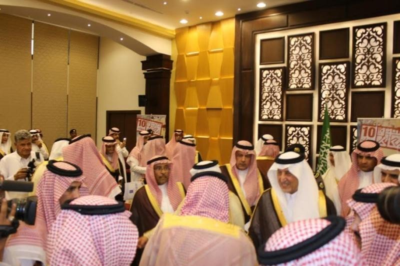 خالد الفيصل يسدقبل ضيف سوق عكاظ (7)