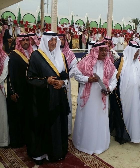 """بالصور.. #الفيصل يسلم جوائز """"بطولة الخيل العربية الأصيلة"""" بـ #الطائف - المواطن"""