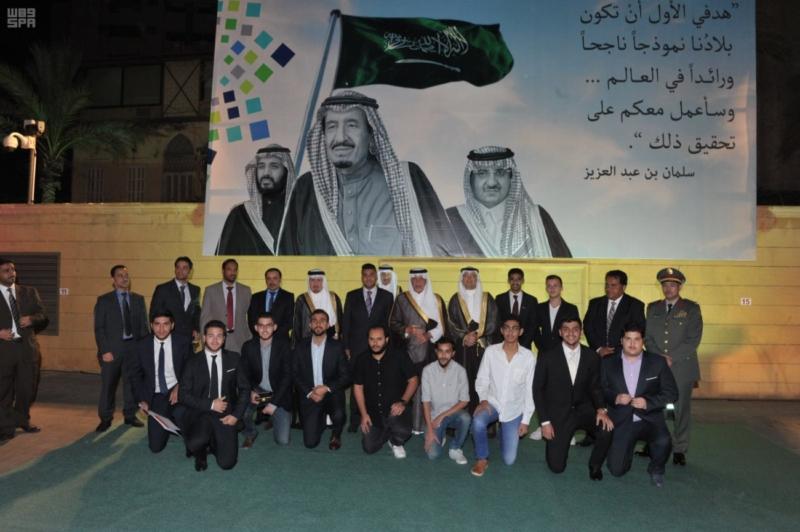 خالد الفيصل يلتقي المبتعثين في لبنان1