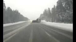 شاهد.. خطأ سائق يسبب كارثة مروعة على طريق سريع - المواطن