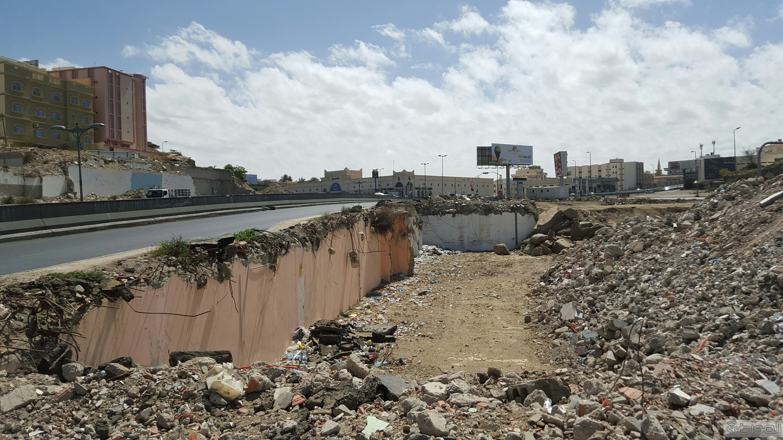 خطر امتداد طريق الملك عبدالعزيز الحزام الدائري بمدينة ابها (2)