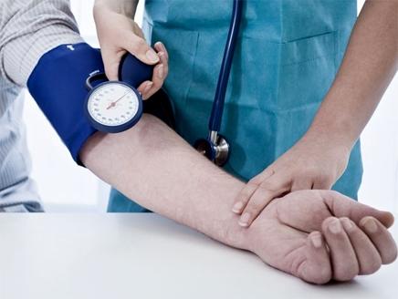 9 أعراض لارتفاع ضغط الدم