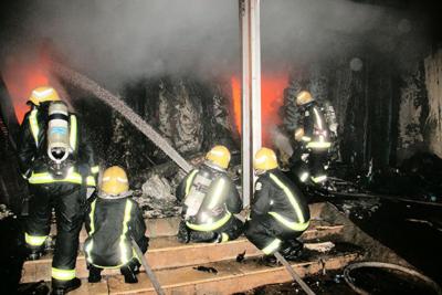 خماد حريق محلات الآثاث2