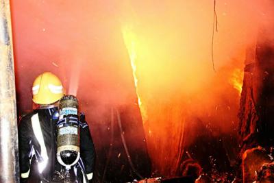خماد حريق محلات الآثاث5