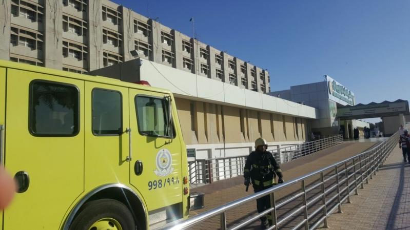 دخان باجهزة تكييف مستشفى الملك فهد في #جازان (1) 
