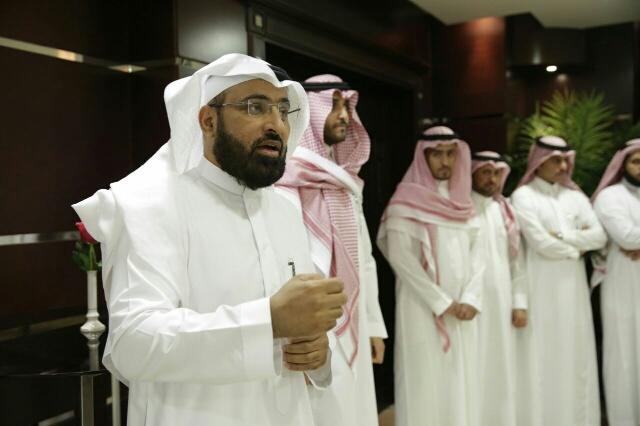 د. عبدالكريم النجيدي متحدثاً لمنسوبي الصندوق خلال حفل المعايدة