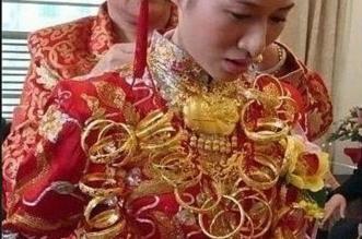 بالفيديو.. عريس صيني يُهدي زوجته مثقال وزنها ذهباً - المواطن