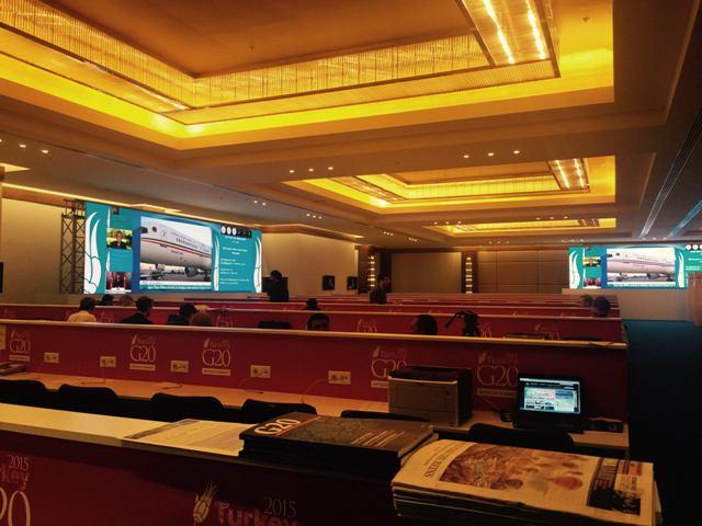 رؤساء تحرير وكتاب في المقر الإعلامي السعودي في #قمة_العشرين (1)