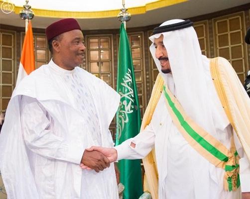 رئيس-النيجر-يصل-الرياض (6)