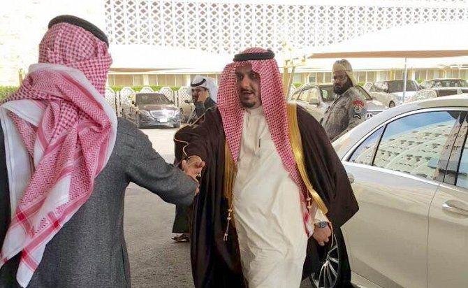 رئيس الهلال الأمير نواف بن سعد  يجتمع مع توفيق الربيعة وزير التجارة