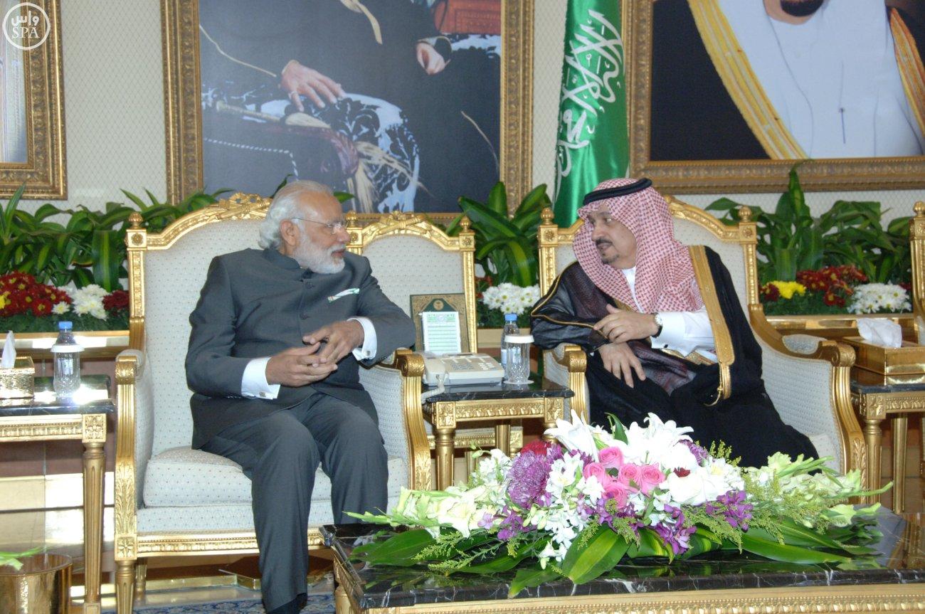 رئيس الوزراء الهندي نارندرا مودييغرد يصل الرياض (1)