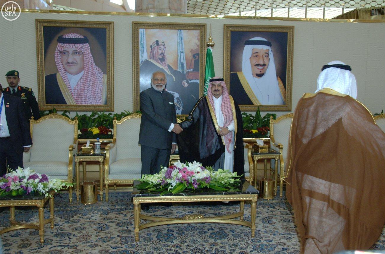 رئيس الوزراء الهندي نارندرا مودييغرد يصل الرياض (4)