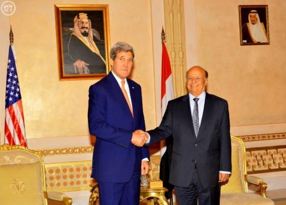 رئيس-اليمن-يستقبل-كيري (3)