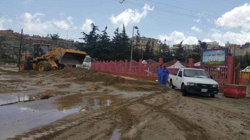 رئيس بلدية النماص يوجه بالاستعداد لأي طارء لمواجهة كثافة السيول والأمطار 4