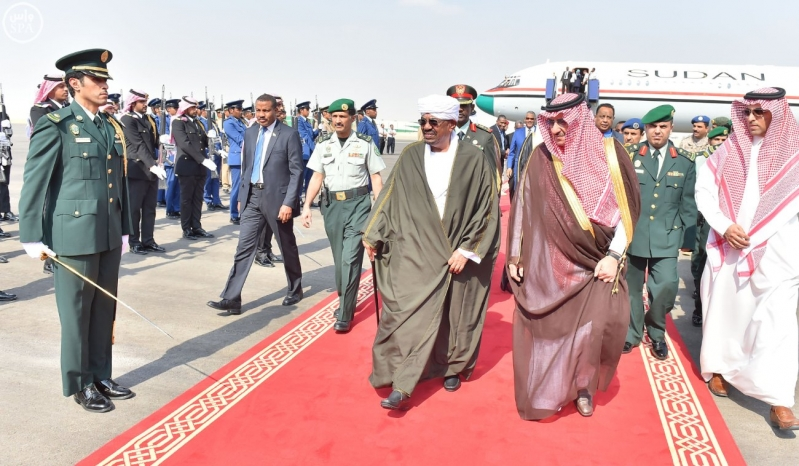 رئيس جمهورية السودان يصل إلى الرياض2