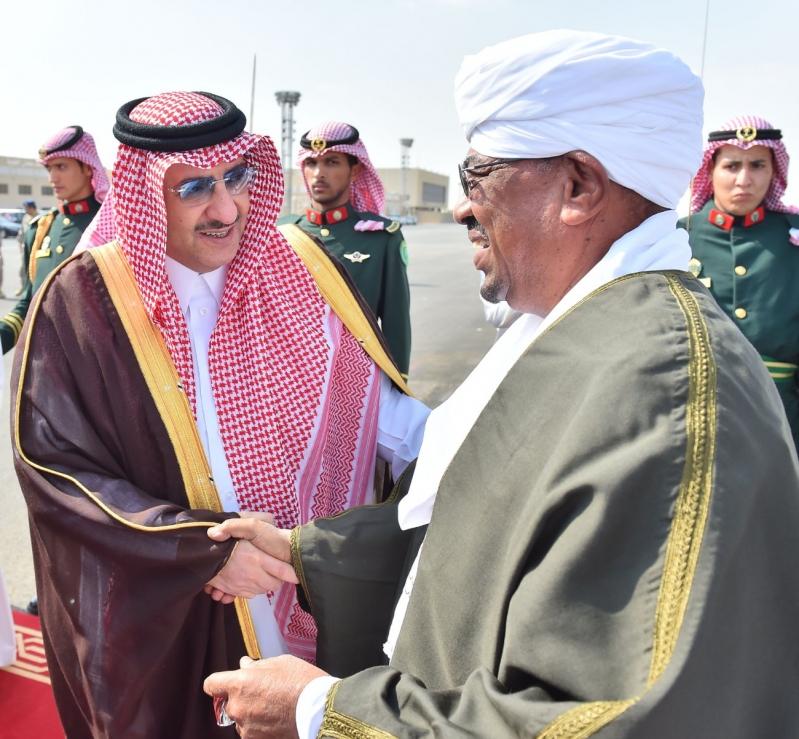 رئيس جمهورية السودان يصل إلى الرياض3