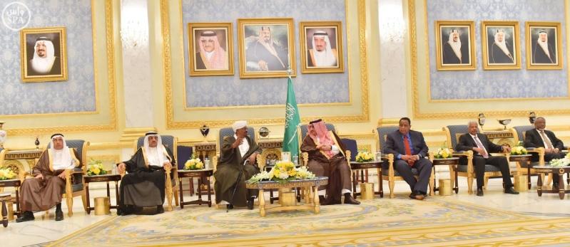 رئيس جمهورية السودان يصل إلى الرياض7