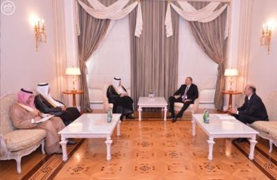 رئيس دولة اذربيجان يستقبل وزير الاعلام.JPG0