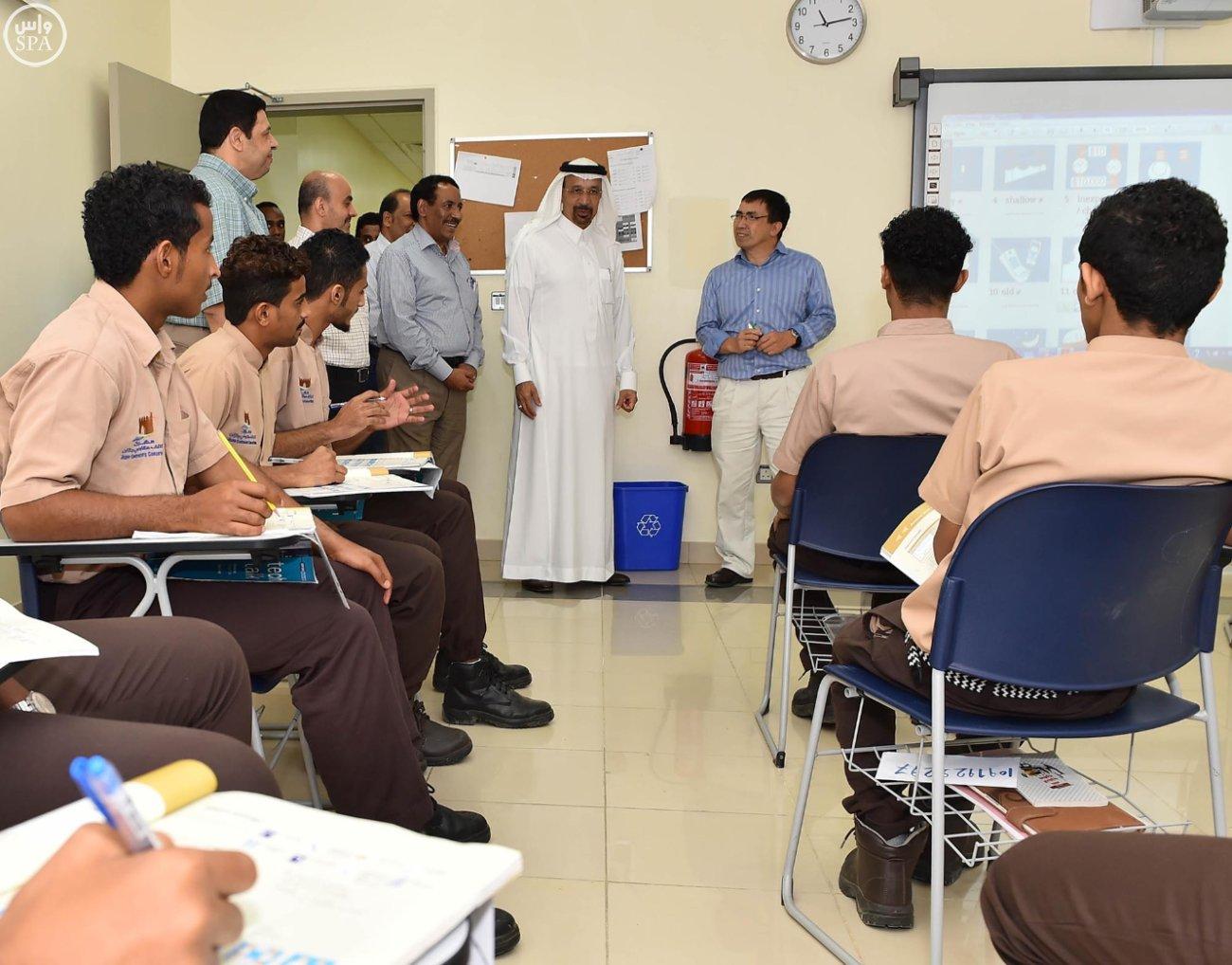 رئيس مجلس إدارة أرامكو السعودية يتفقد مدينة جازان الاقتصادية (1)
