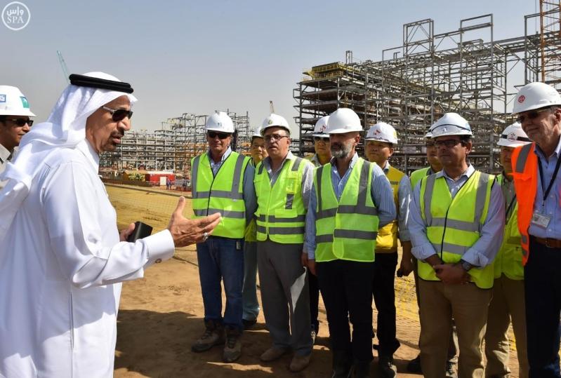 رئيس مجلس إدارة أرامكو السعودية يتفقد مدينة جازان الاقتصادية  (3)