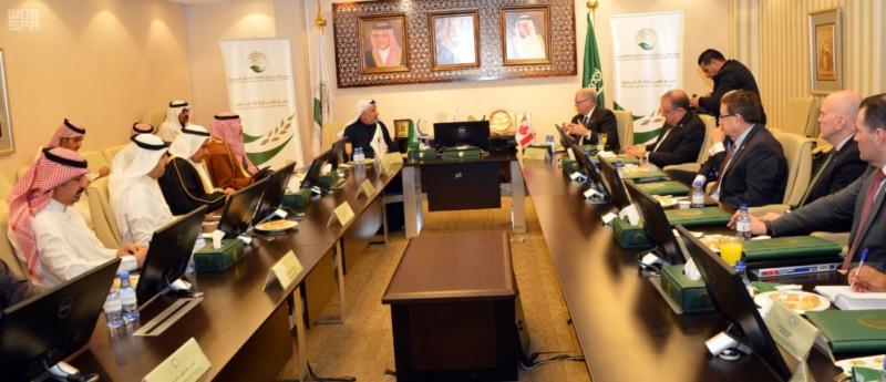 رئيس مجلس الشيوخ الكندي يطلع على 172 مشروعا لمركز الملك سلمان للإغاثة 3