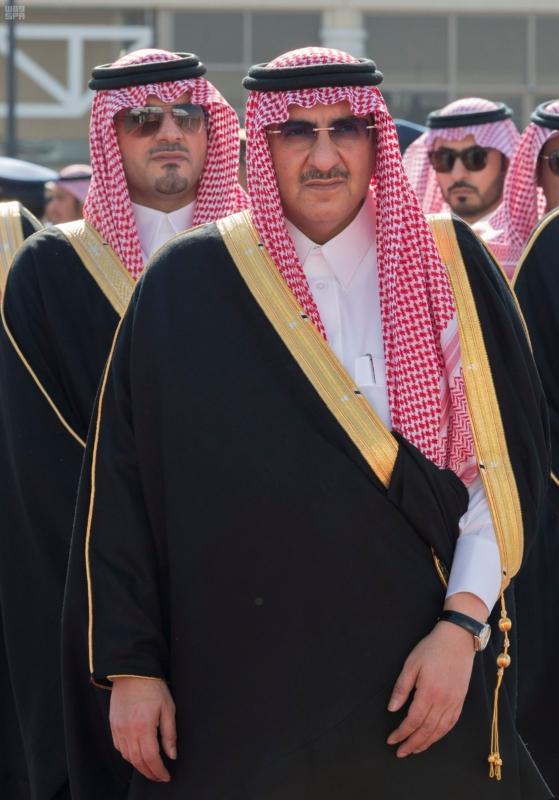 رئيس وزراء البحرين يصل إلى الرياض