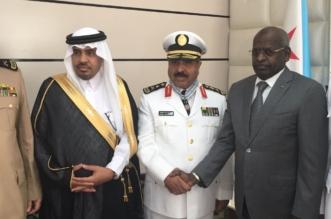 بالصور.. رئيس وزراء جيبوتي يقلد مدير عام حرس الحدود وسام الاستحقاق الوطني برتبة قائد - المواطن