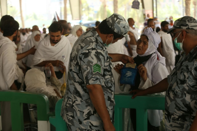 رجال الأمن في خدمة ضيوف الرحمن16