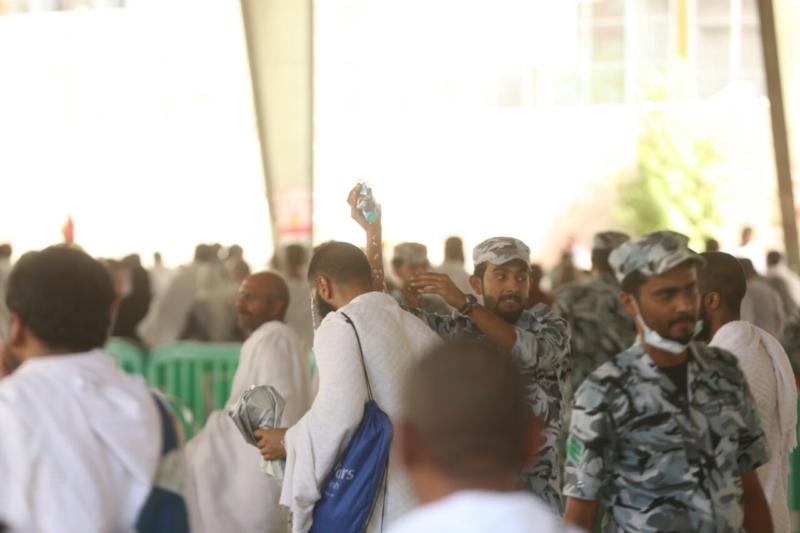 رجال الأمن في خدمة ضيوف الرحمن27