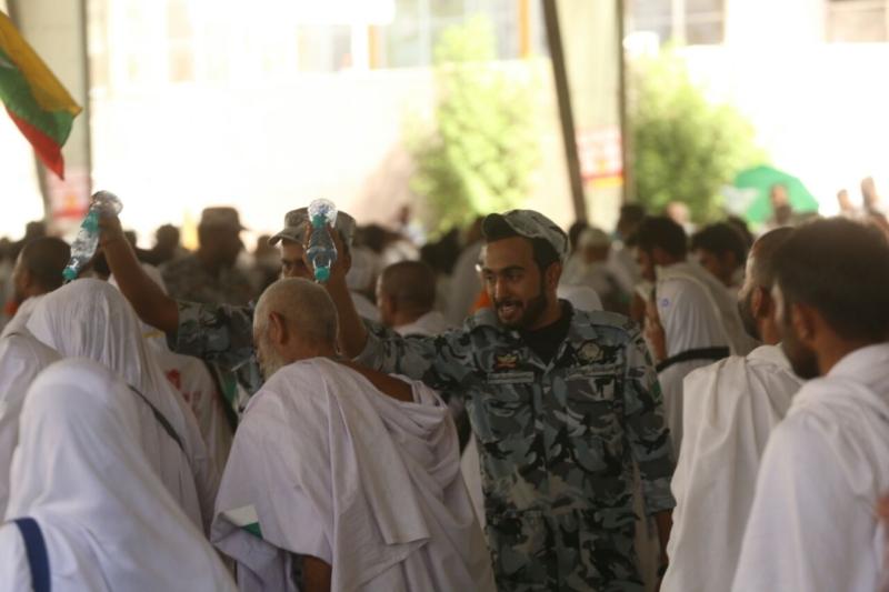 رجال الأمن في خدمة ضيوف الرحمن28