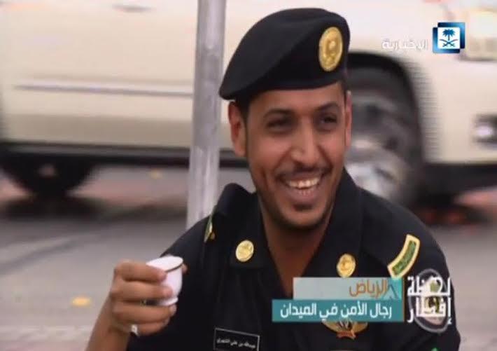 رجال الدوريات يفطرون في الشوارع لحماية الثغور وضبط الأمن (1) 